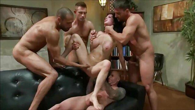 A legjobb pornó nincs regisztráció  Tini szex egymással egy ágyban egy srác, szex videok letoltese hogy