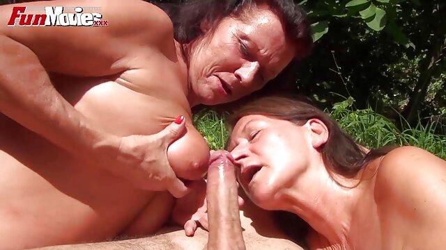 A legjobb pornó nincs regisztráció  Csintalan fiatal family szex fekete kakas, fehérnemű, szőke egy úriember