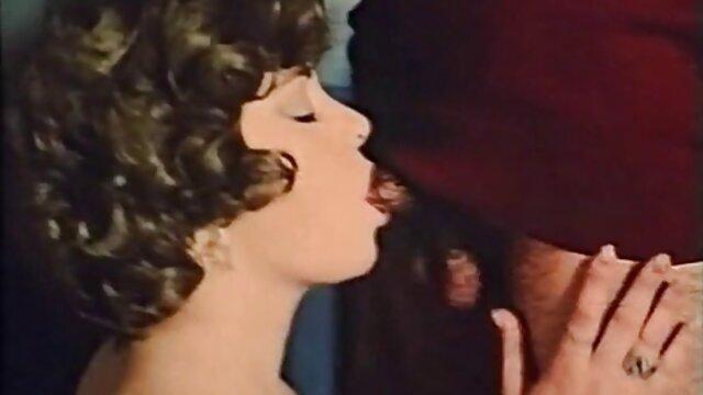 A legjobb pornó nincs regisztráció  A lányok csak szex film kifejezik karakterének szabadságát a castingban