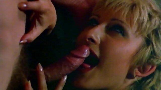 A legjobb pornó nincs regisztráció  Érett akar egy fasz az ágyában erotikus film online