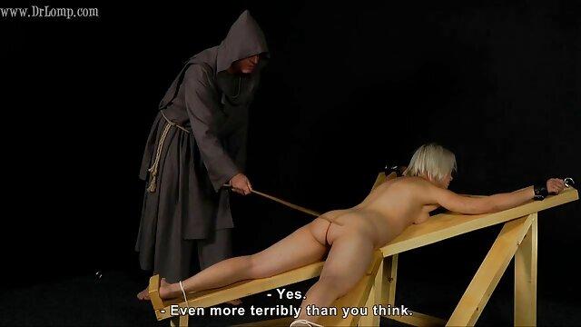 A legjobb pornó nincs regisztráció  Kegyetlen nővér lány pornó modell az ágyban, hogy a sikoly szex videò