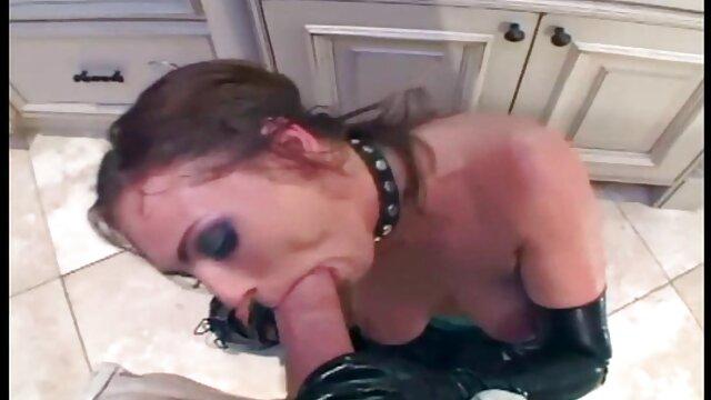 A legjobb pornó nincs regisztráció  Elkényeztetett lány pornó modell ül az alsó házi szex videó Nyalás