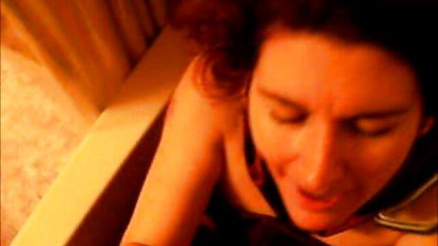 A legjobb pornó nincs regisztráció  A forró kibaszott nők különböző házi szex videó pozíciókban
