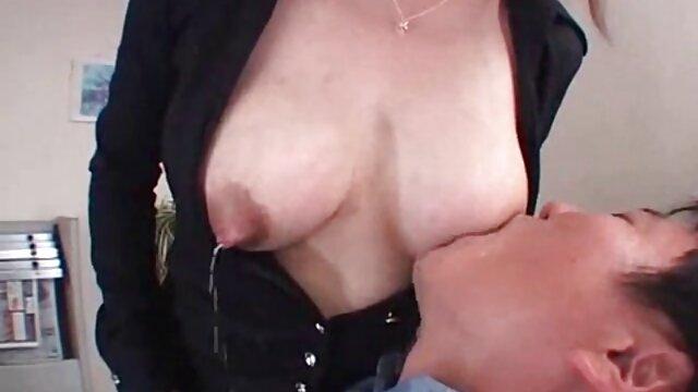 A legjobb pornó nincs regisztráció  Szőke lány boldogan meglepte a méret egy fekete ember, energikus állatos szex videók nővér