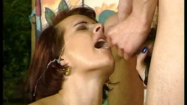 A legjobb pornó nincs regisztráció  Fiú flörtöl, lány, lány érzéki masszázs videók egy vibrátorral