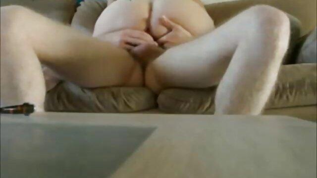 A legjobb pornó nincs regisztráció  Egy lány pihentető egy erotikus online filmek casting, szex egy pornó ügynök