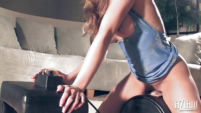 A legjobb pornó nincs regisztráció  Extravagáns nők szeretnek ugrani egy csirke állványra magyarul beszélő erotikus filmek