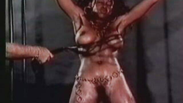 A legjobb pornó nincs regisztráció  Pornó modell vele lyukak szex pornó videó