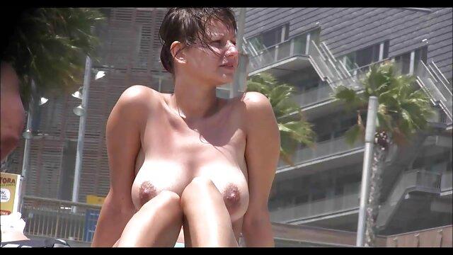 A legjobb pornó nincs regisztráció  Fiatal Latin teljes erotikus filmek húzza fel a köntöst, majd lehetővé teszi, hogy baszni.