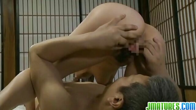 A legjobb pornó nincs regisztráció  A fiú srác nagyszerű üzletasszony orális szex videó szemüveggel