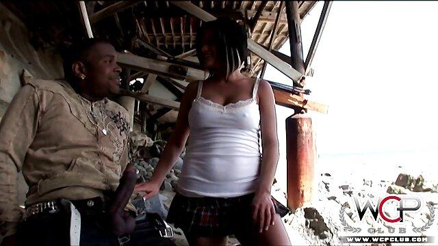 A legjobb pornó nincs regisztráció  Két gyönyörű kilenc beleegyezett orál szex videók abba, hogy részt vesz a csoportban, az urakkal
